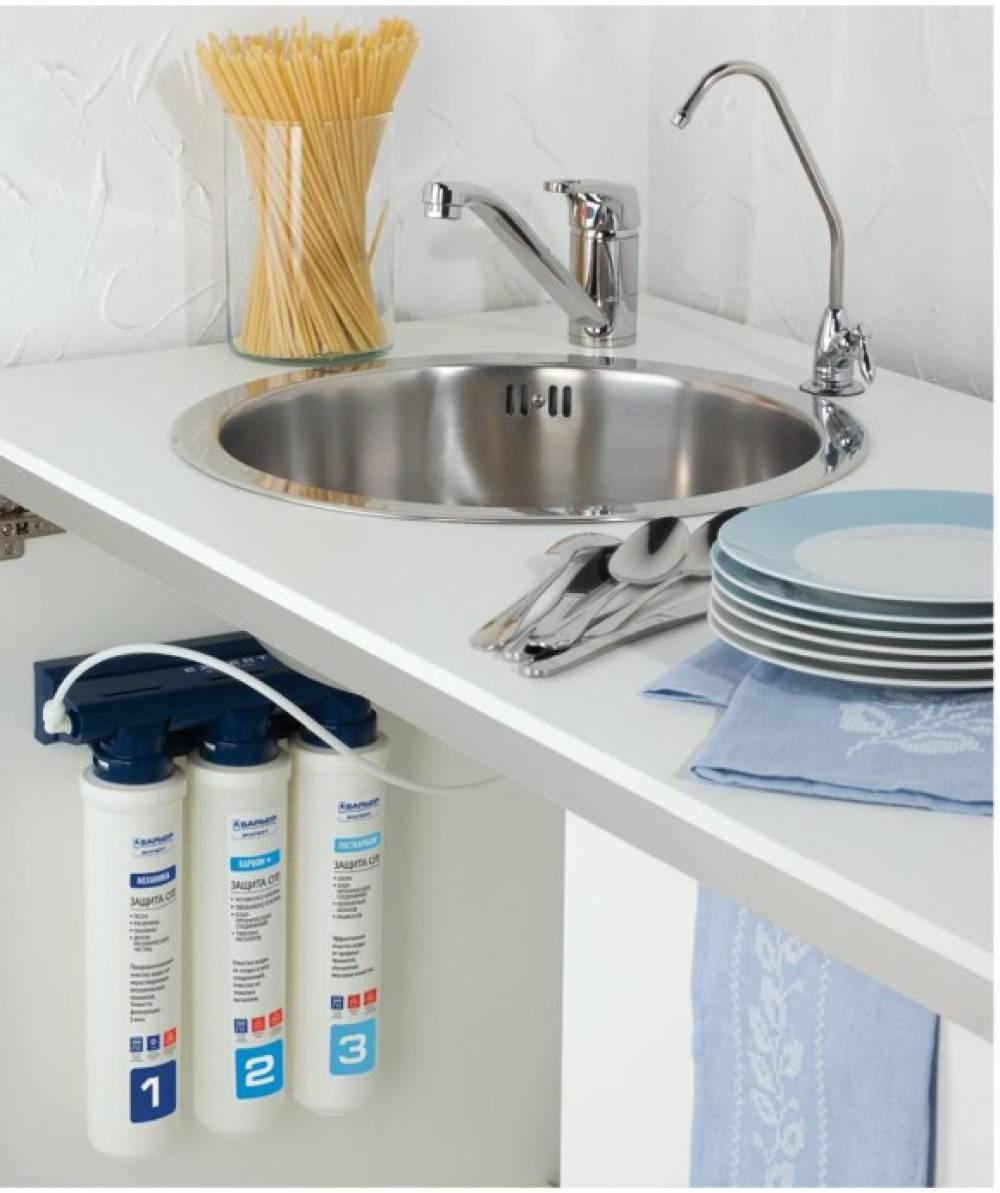 Lắp máy lọc nước trong tủ bếp